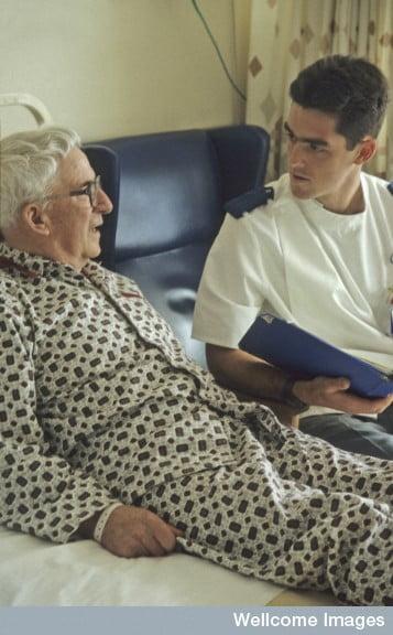 Nurse taking patient's history