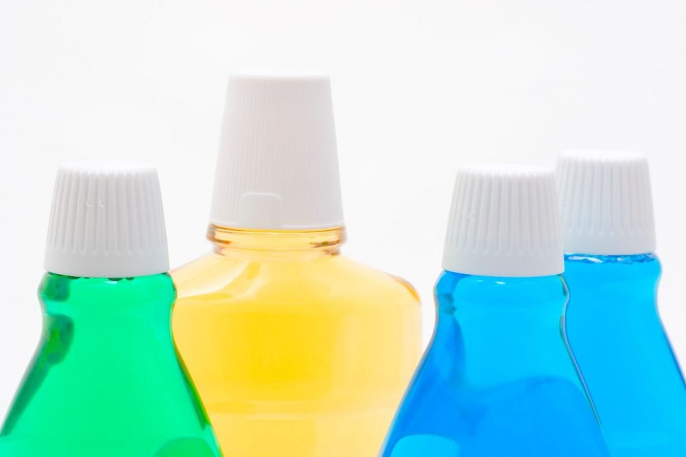 Ouch, bleeding gums! Can chlorhexidine mouthwash help you